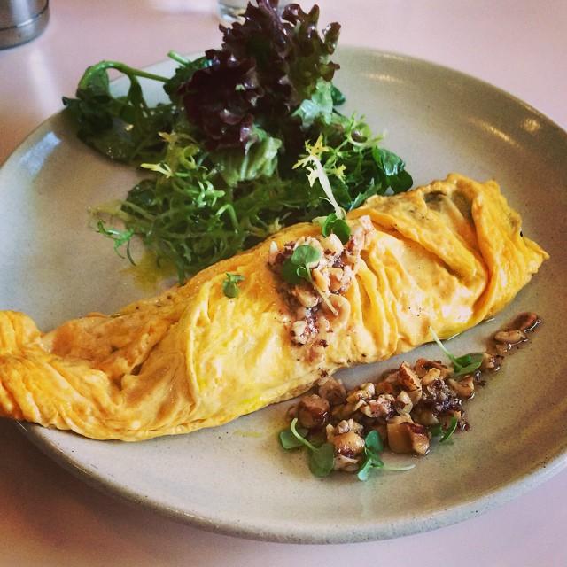 Omelette with mushrooms, pecorino and crushed hazelnuts.  #instafood #instagood #foodblogger #lisaeatsworld #eggs #foodstagram
